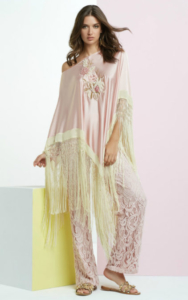 Poncho-rosa-con-flecos-422x675[1]
